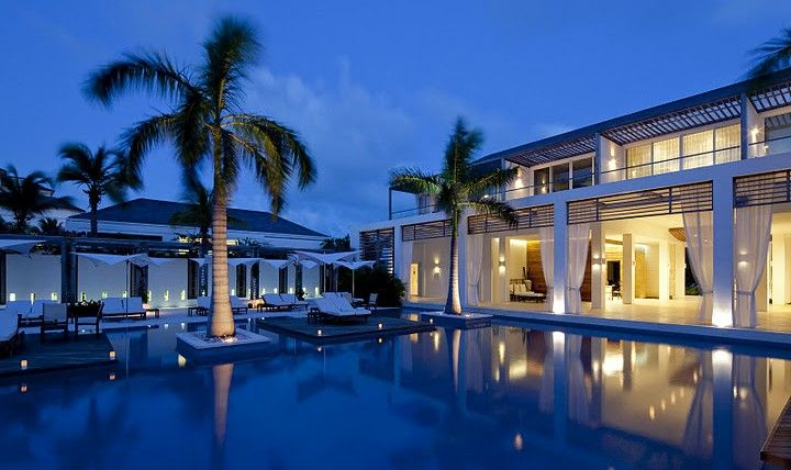 Modern Destination Weddings Gansevoort Turks Caicos