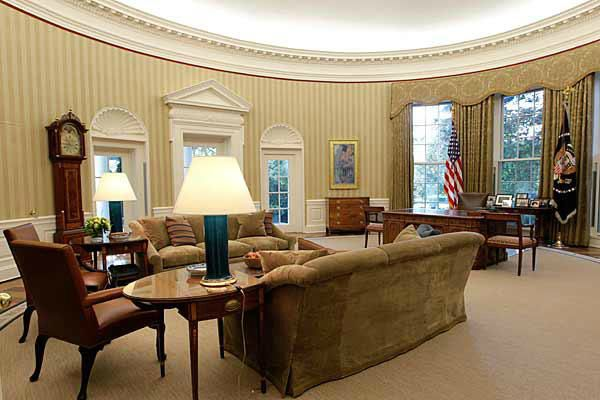 F4daaaf20ba101b639fc656f0c6ef737 The Whitehouse Is The Official Residence And Workplace Of The President O Contemporary Office Design Piano Living Rooms House