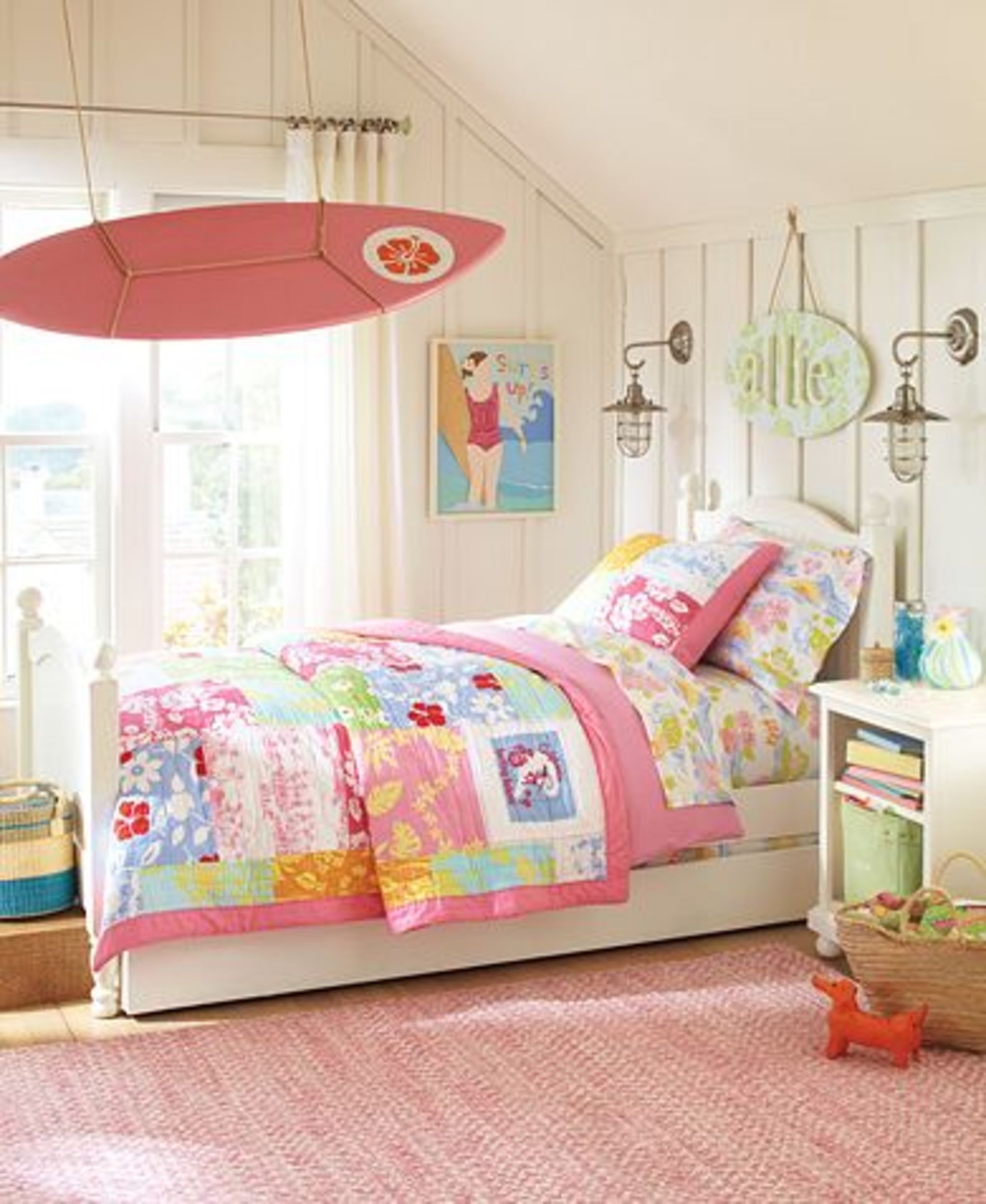 Girls 39 bedroom ideas surfer girl theme room girl themes for Surfboard decor for bedrooms