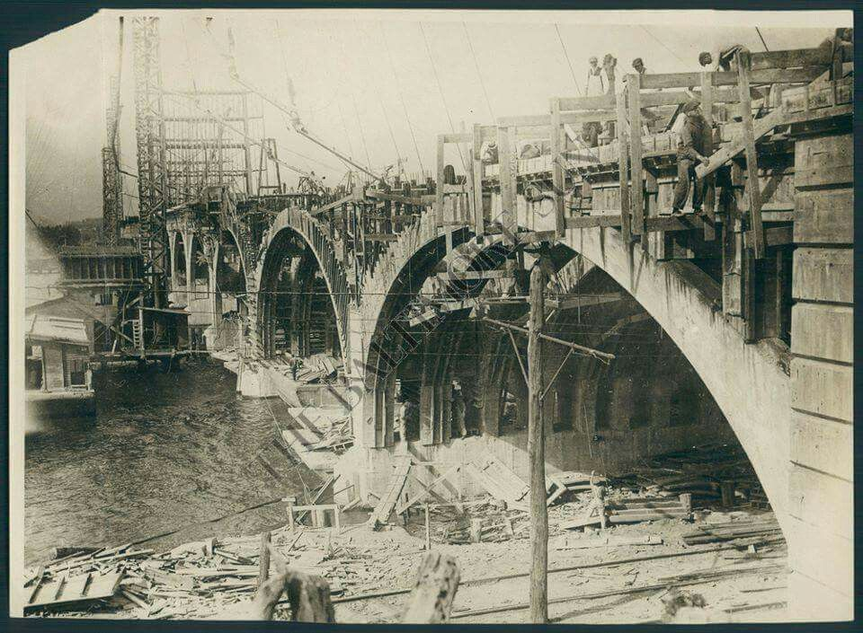 Building the hanover street bridge in 1916 baltimore