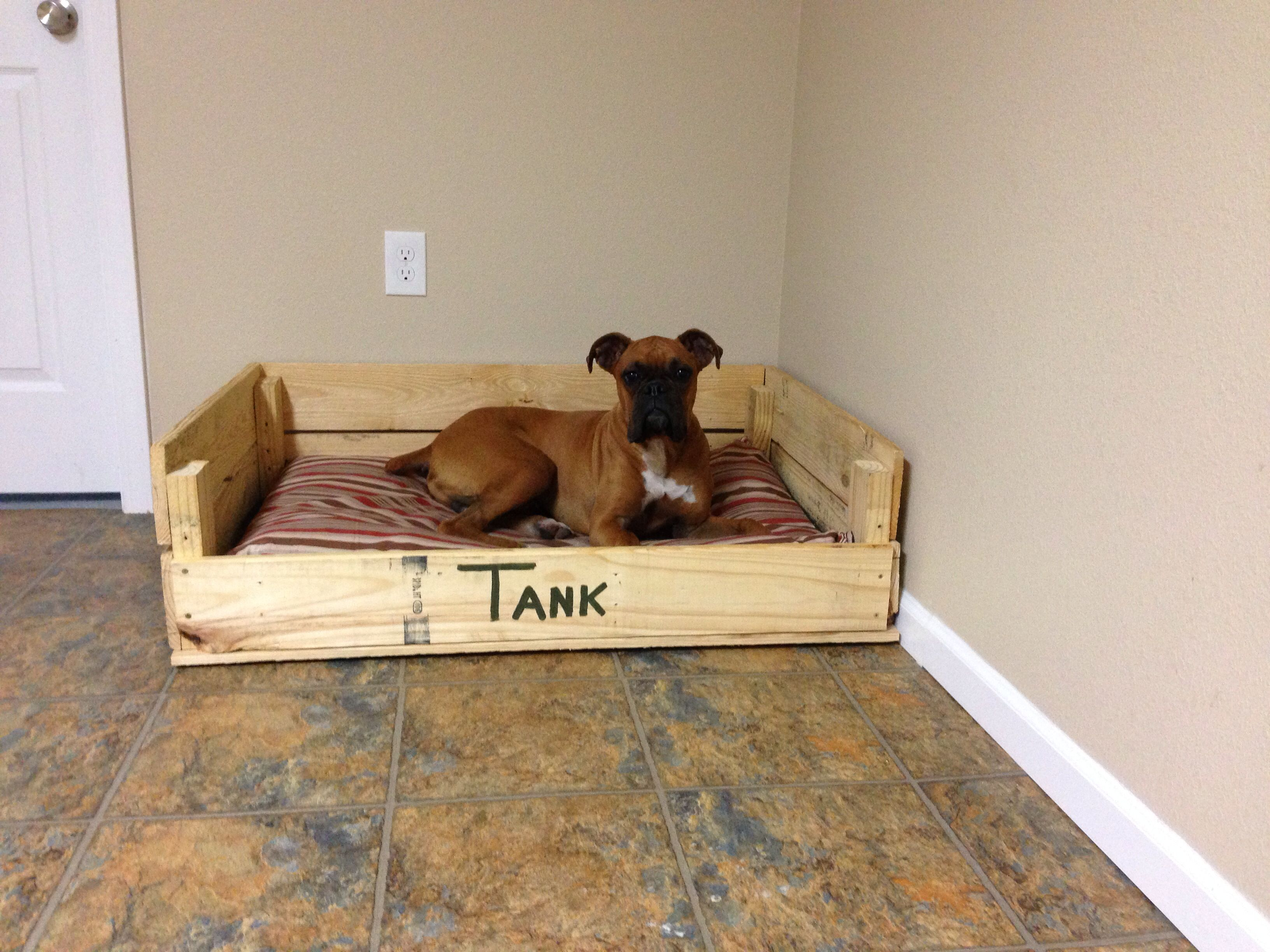 Diy pallet dog bed furniture pallets designs for Beds made with pallets