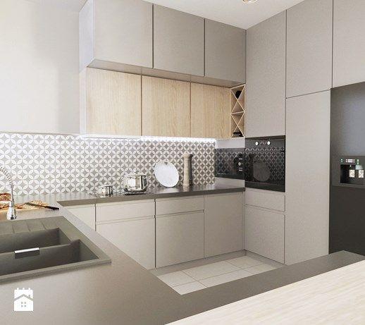 Aranzacje Wnetrz Kuchnia Srednia Otwarta Kuchnia W Ksztalcie Litery G Z Wyspa Styl Klas Kitchen Cabinets To Ceiling Kitchen Room Design Cabinets To Ceiling
