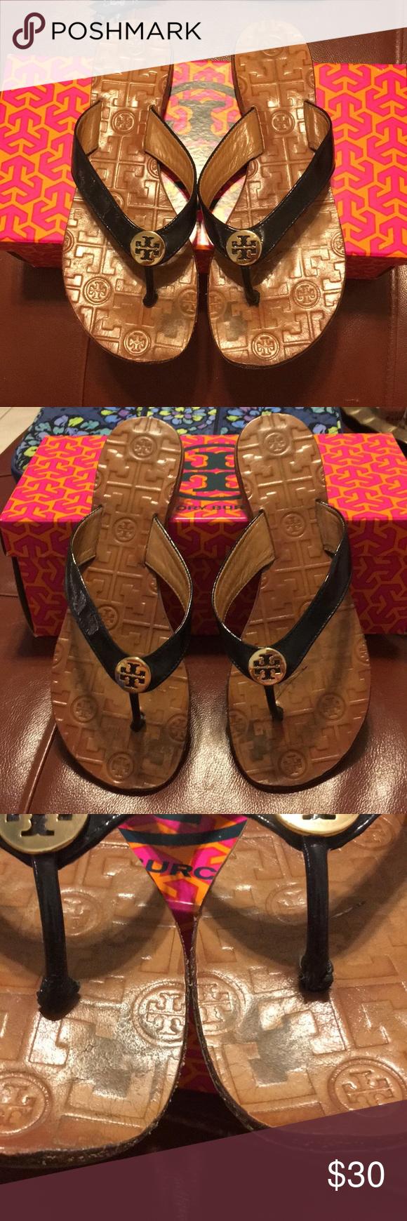 4e157d858ac6 Tory Burch thora black and gold sandal