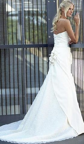 Robin Jillian Wedding Gowns