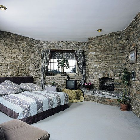 Walton Castle bedroom (With images)   Cool rooms, Room ...
