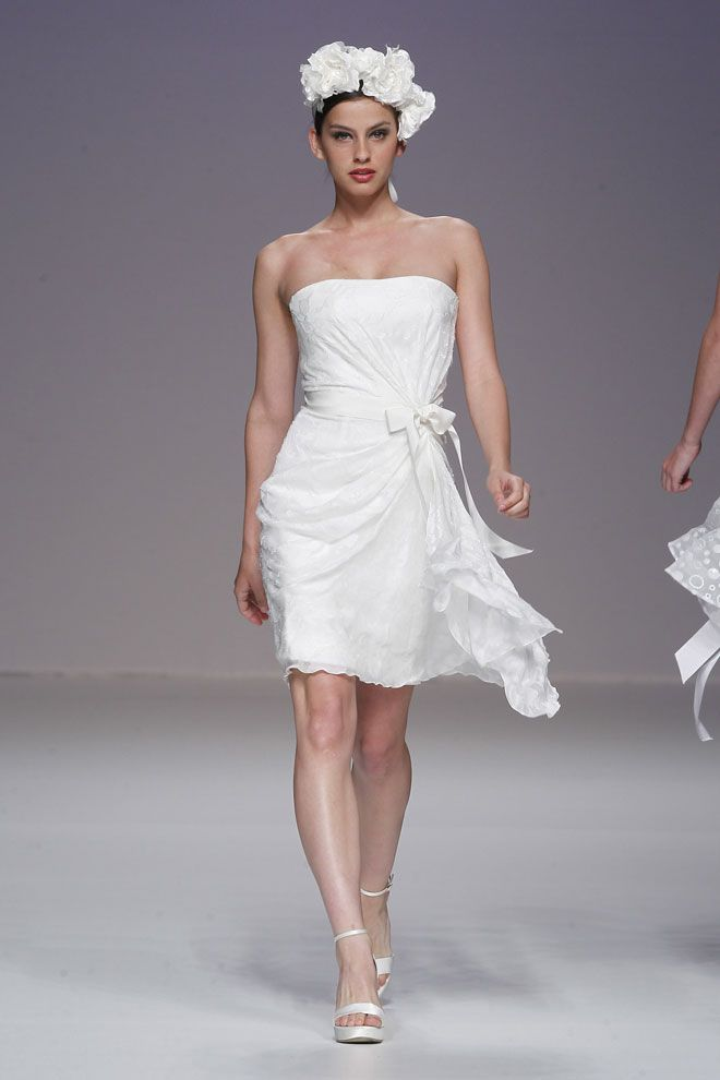 #kamzakrasou #sexi #love #jeans #clothes #coat #shoes #fashion #style #outfit #heels #bags #treasure #blouses #wedding #weddingdress #weddingday #weddingcelebration #weddingwoman Tradičné svadobné čaty Cymbeline - KAMzaKRÁSOU.sk