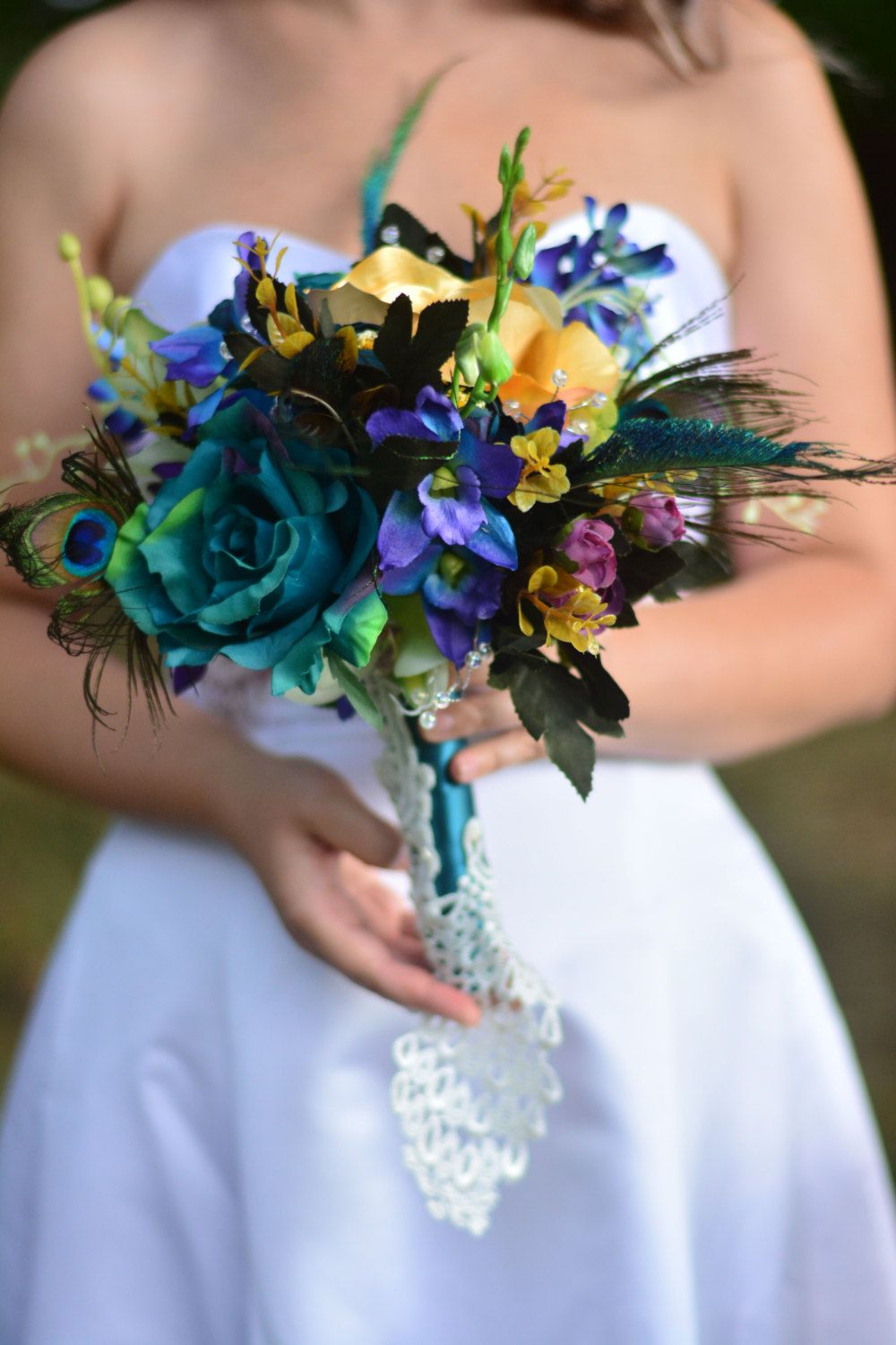 Peacock bouquet ~ Peacock wedding ~ Bridal bouquet ~ Peacock wedding flowers ~ Teal wedding ~ Teal bouquet ~ Feather wedding bouquet by WeddingBellsBelles on Etsy