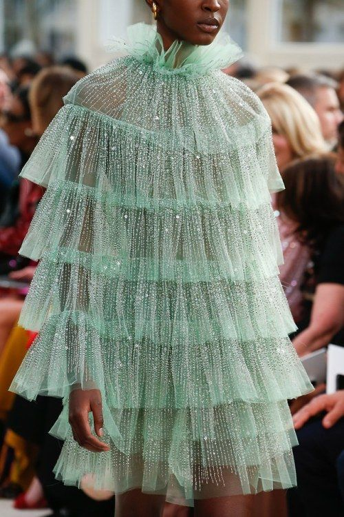 Photo of chanelbagsandcigarettedrags: Valentino Spring 2019