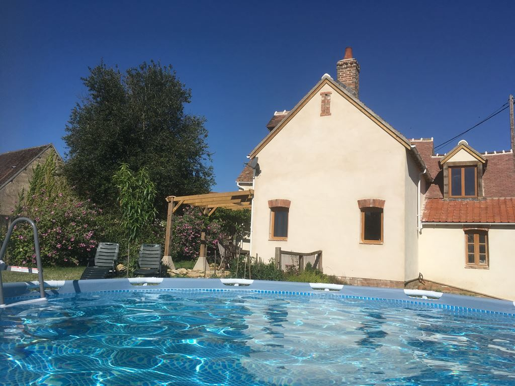 Popular Loire Gite It S The Perfect Place For A Relaxing Holiday In The Countryside With A Swimming Lake Markets Res Relaxing Holidays Holiday Rental Loire