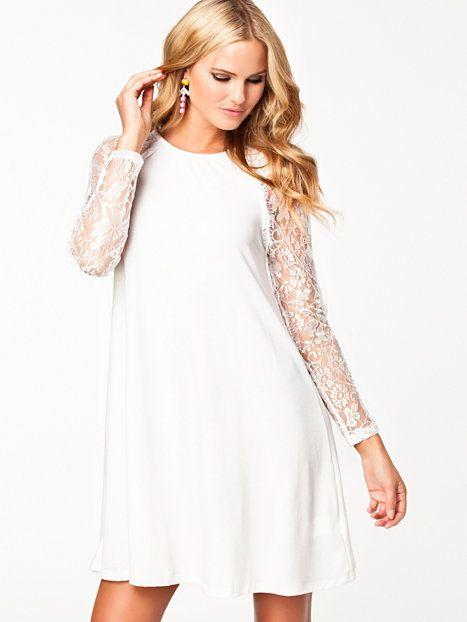 c1aed892c3ac Sheer Lace Sleeve Swing Dress - Ax Paris - Cream - Festklänningar - Kläder  - Kvinna - Nelly.com