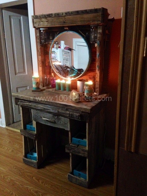 Makeup Vanity Made From Reclaimed Wooden Pallets Wooden Pallet