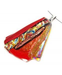 Handgemaakte rode dichroide glashanger met oranje-gele accenten!