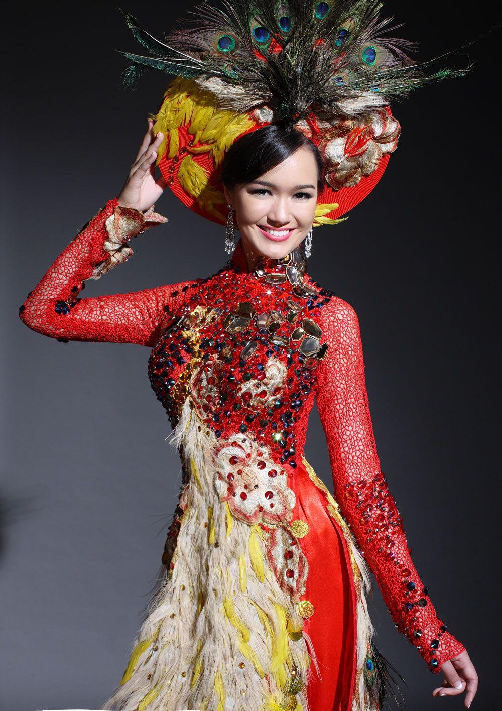 Vietnamese ao dai Traditional dresses, Traditional