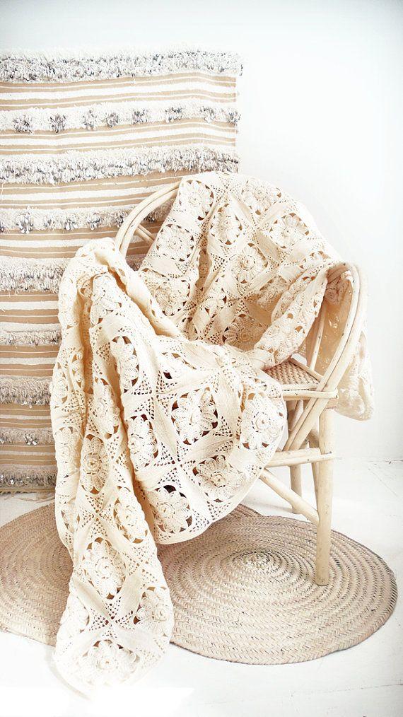 Vintage crocheted blanket - \