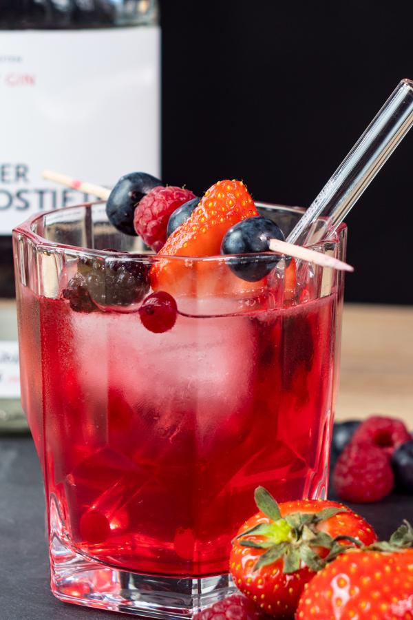 Perfekt für den Sommer: Spritziger Berlin Berry mit Gin