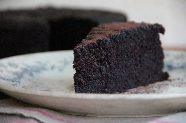 Cheap, Sustainable, Delicious: Decadent Chocolate Cake