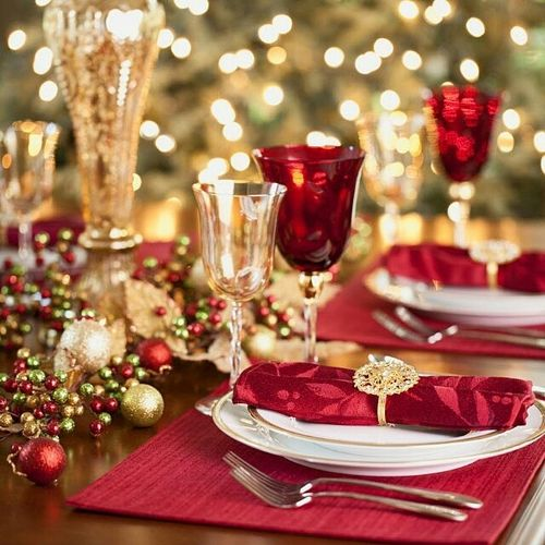 learn how to create the perfect thanksgiving and christmas table settings use these great tips for other holidays as well