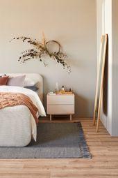Alice Lines and Sam van Kan create dreamy bedroom scenes  FLEURS SÉCHÉES  DRIED FLOWERS