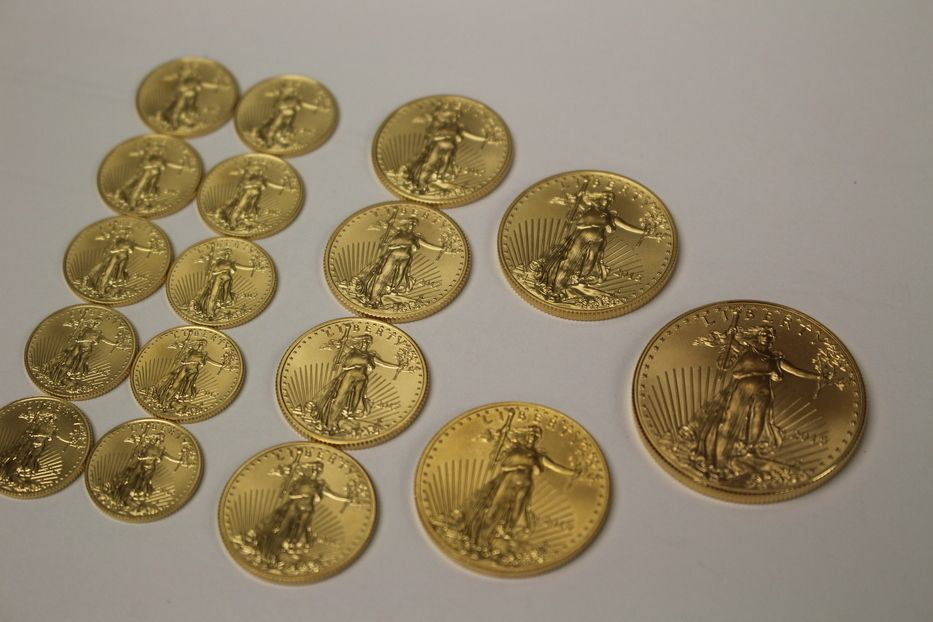 Which Would You Rather Have 10 Tenth Ounce 4 1 4 Ounce 2 1 2 Ounce 1 One Ounce Or All Of Them Gold Moneymet Gold Eagle Coins Eagle Coin Coins