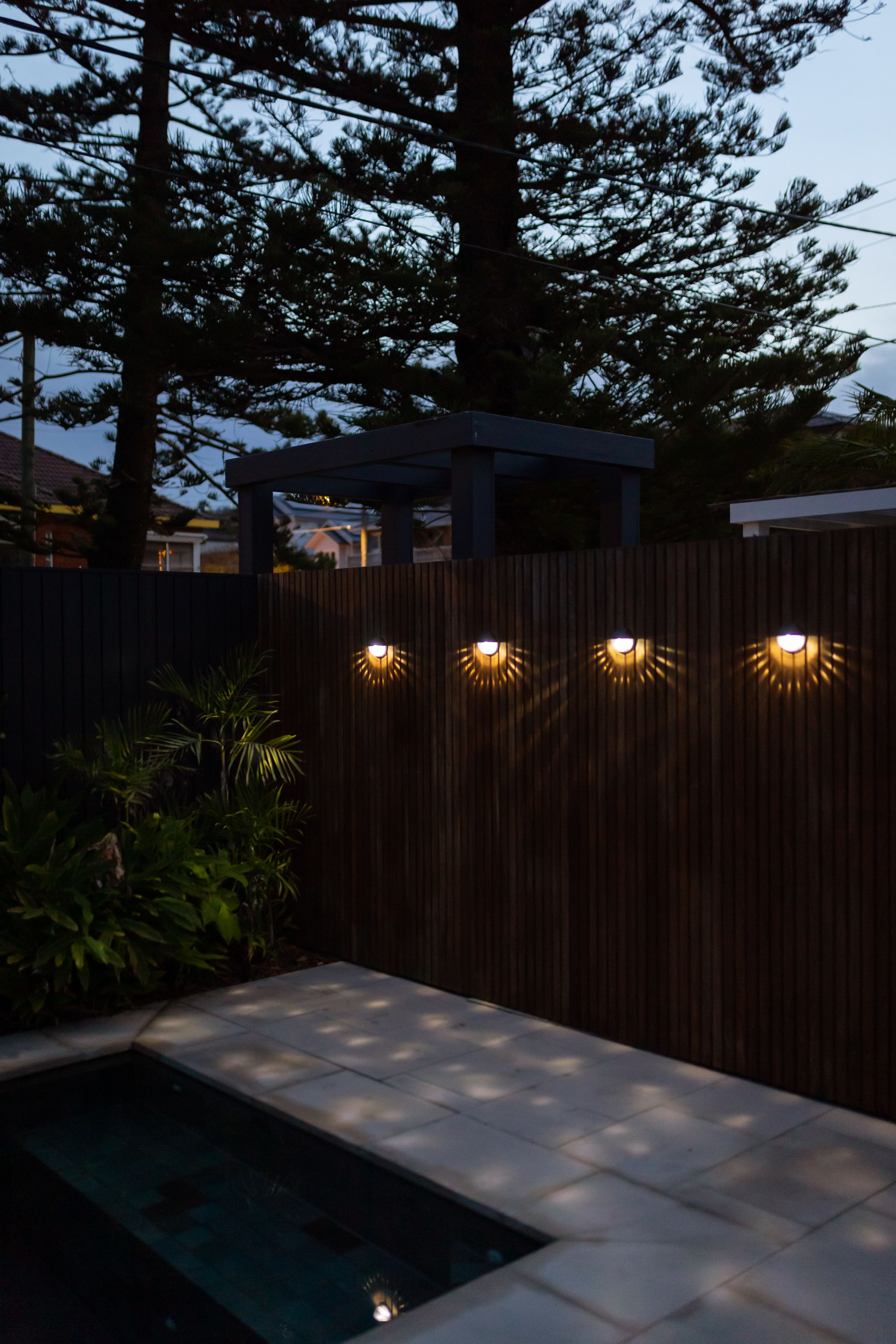 Decorative Round Solar Wall Light 1led 2 Pack Solar Wall