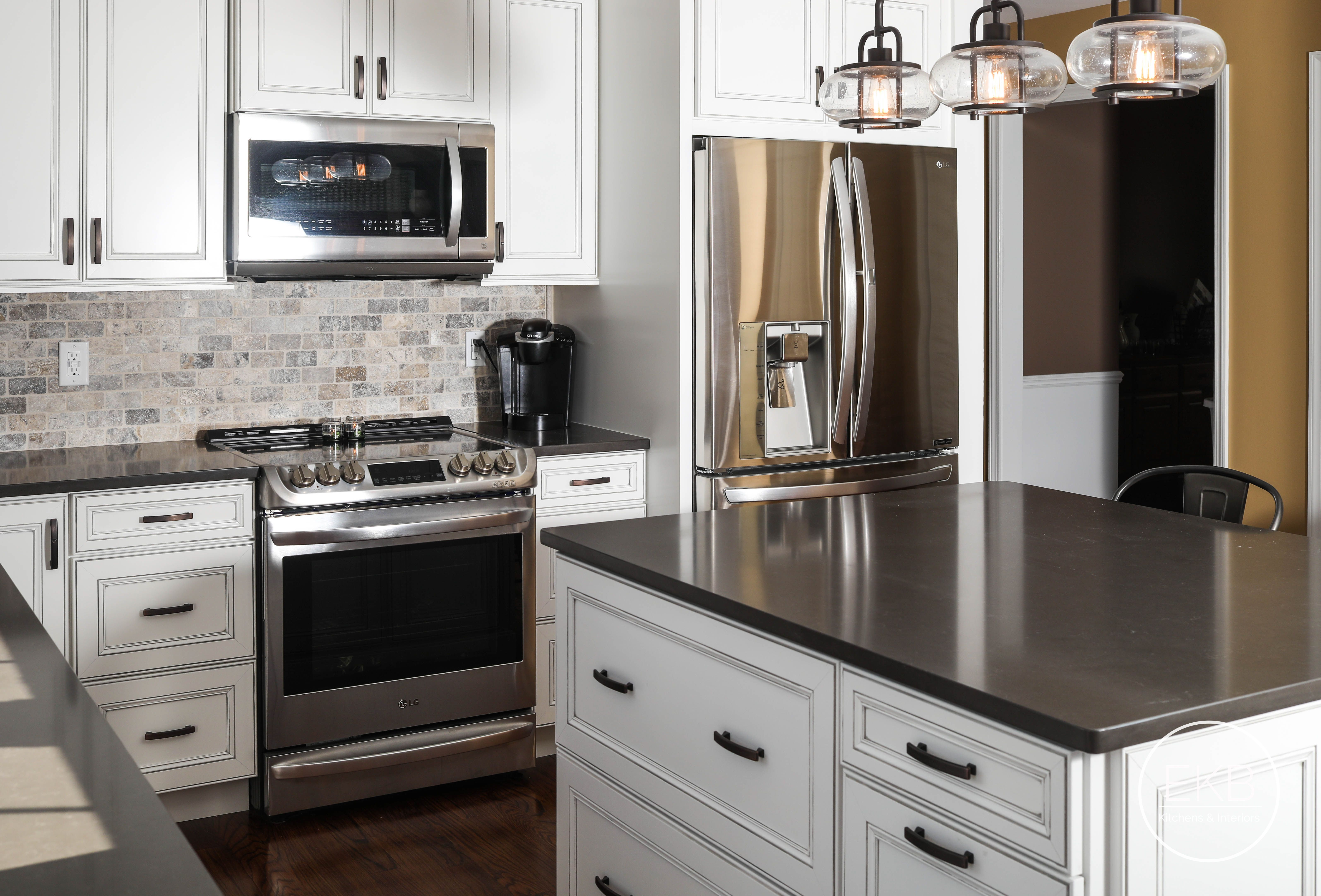 Waypoint Living Spaces Kitchen In Painted Harbor Custom Kitchen