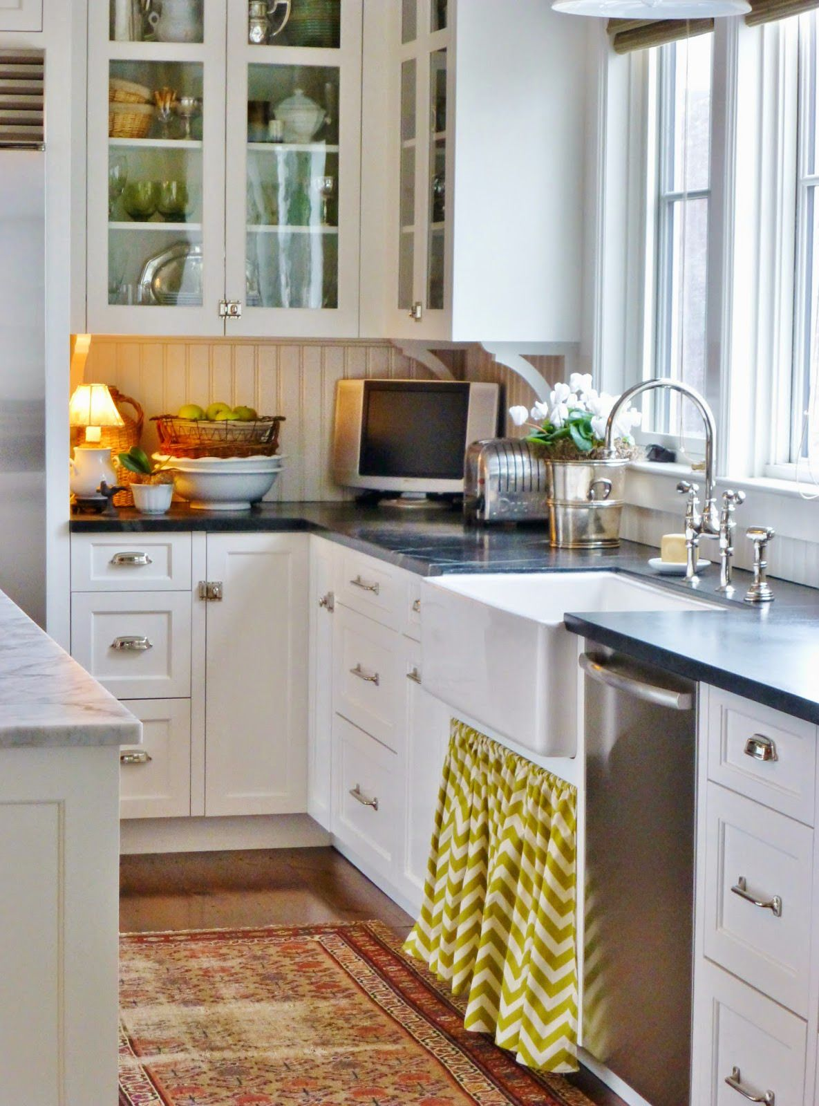 Garden, Home and Party: kitchens, light vs. dark counters ...
