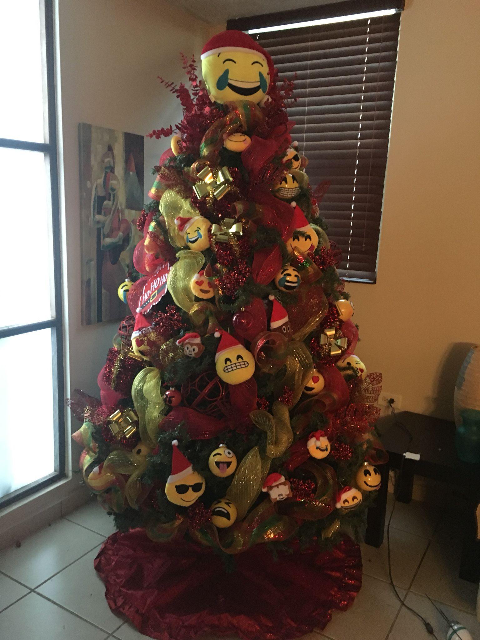 Emoji christmas tree | Emojis christmas ornaments | Pinterest ...