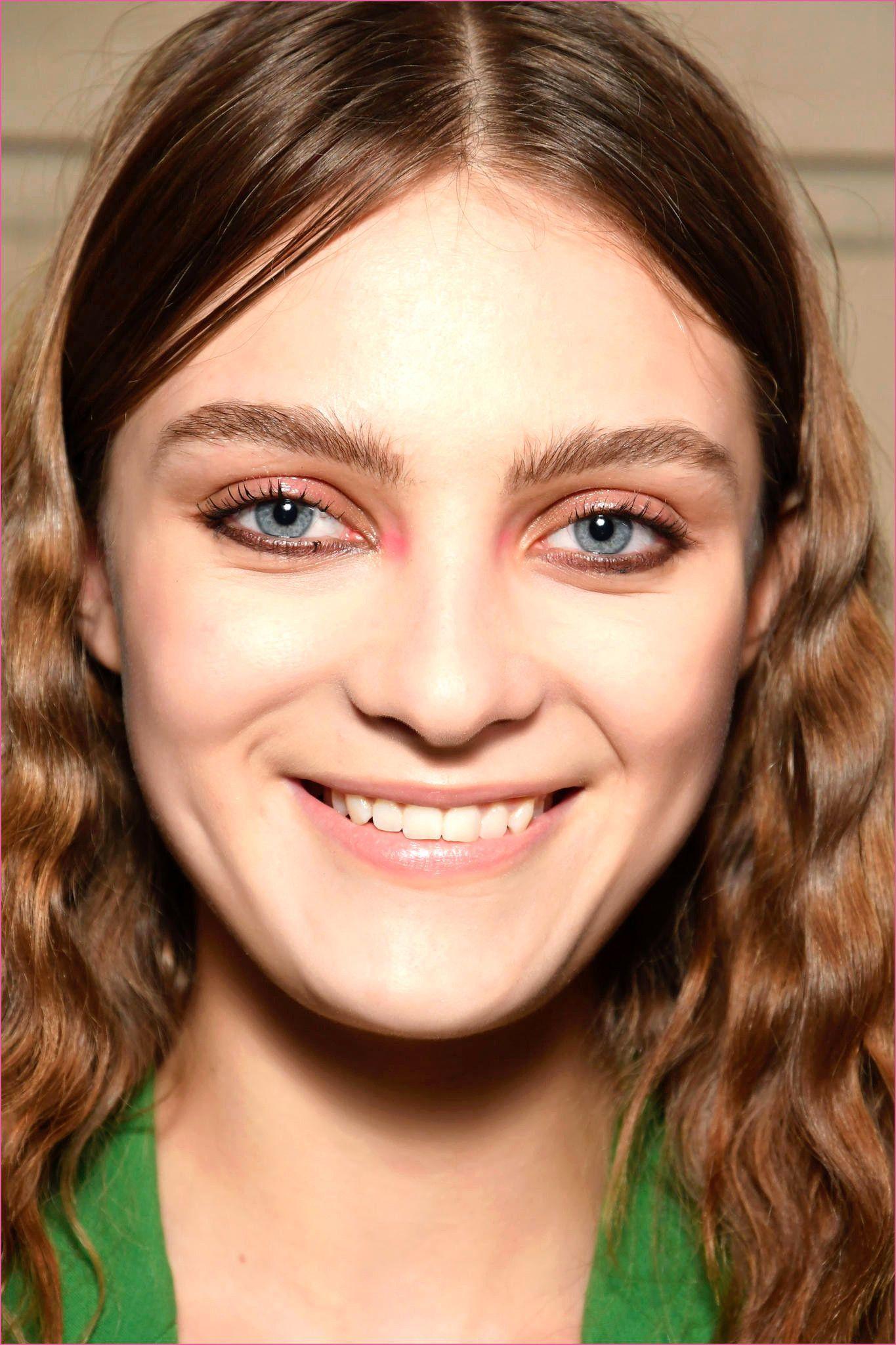 Frisuren Halblang Feines Haar Rundes Gesicht In 2020 Kurzhaarfrisuren Rundes Gesicht Frisuren Ovales Gesicht Frisuren Eckiges Gesicht