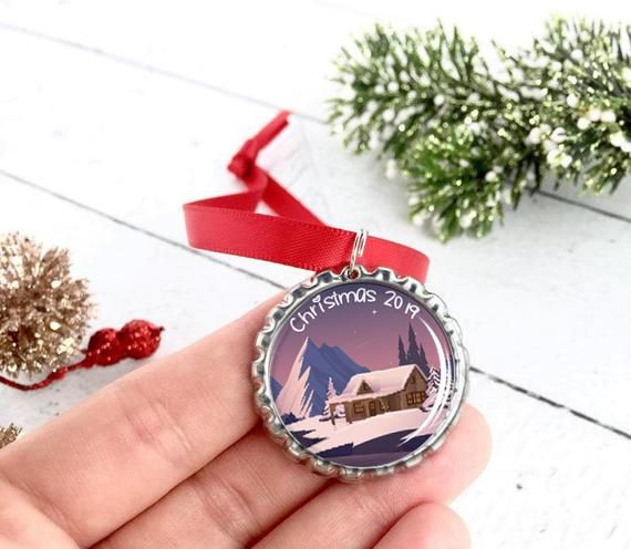 Christmas 2019 Ornaments - Work Gift For Employees - Christmas Gifts For Family Members - School Staff Gifts #giftsforemployees