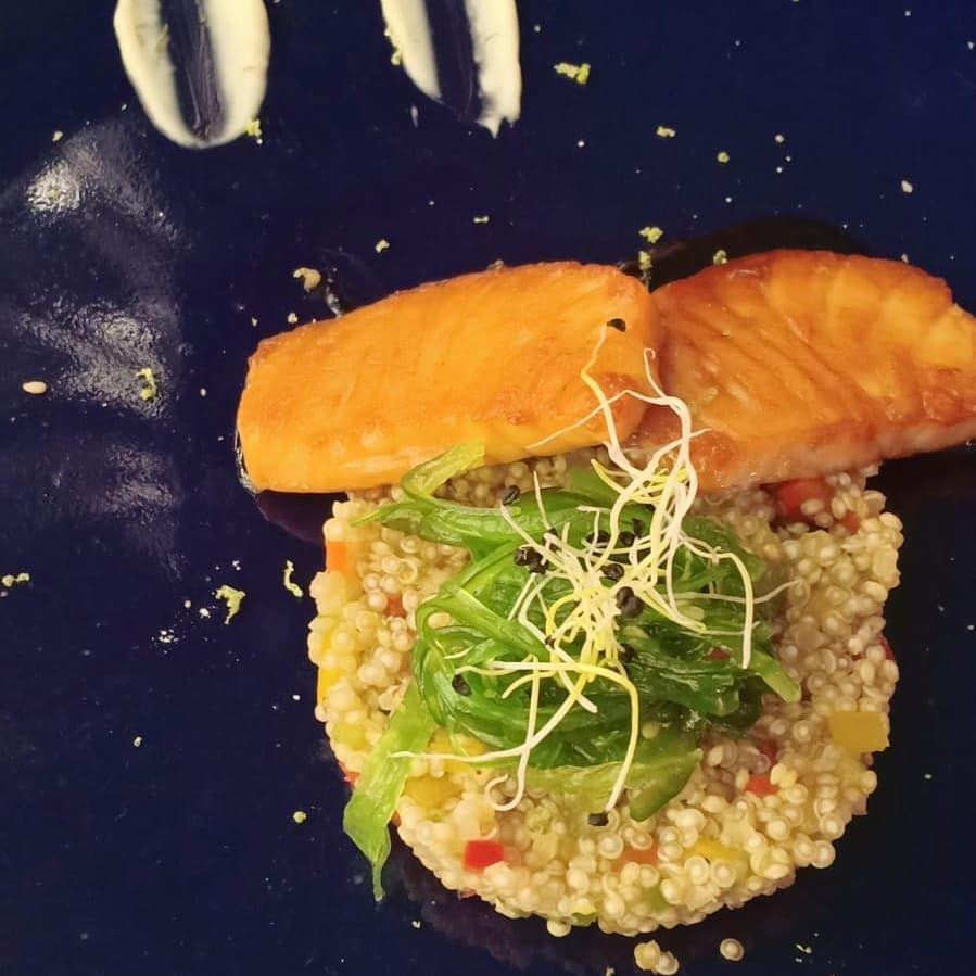 Taquitos de salmón teriyaki. La verdad es q estaban super pasados no muy ricos la verdad. #salmon #madridgourmet #madridfoodies #madridfoodie #madridfood #madridgastro #restaurantejapones @nakamarestaurante #salmonteriyaki Taquitos de salmón teriyaki. La verdad es q estaban super pasados no muy ricos la verdad. #salmon #madridgourmet #madridfoodies #madridfoodie #madridfood #madridgastro #restaurantejapones @nakamarestaurante #salmonteriyaki