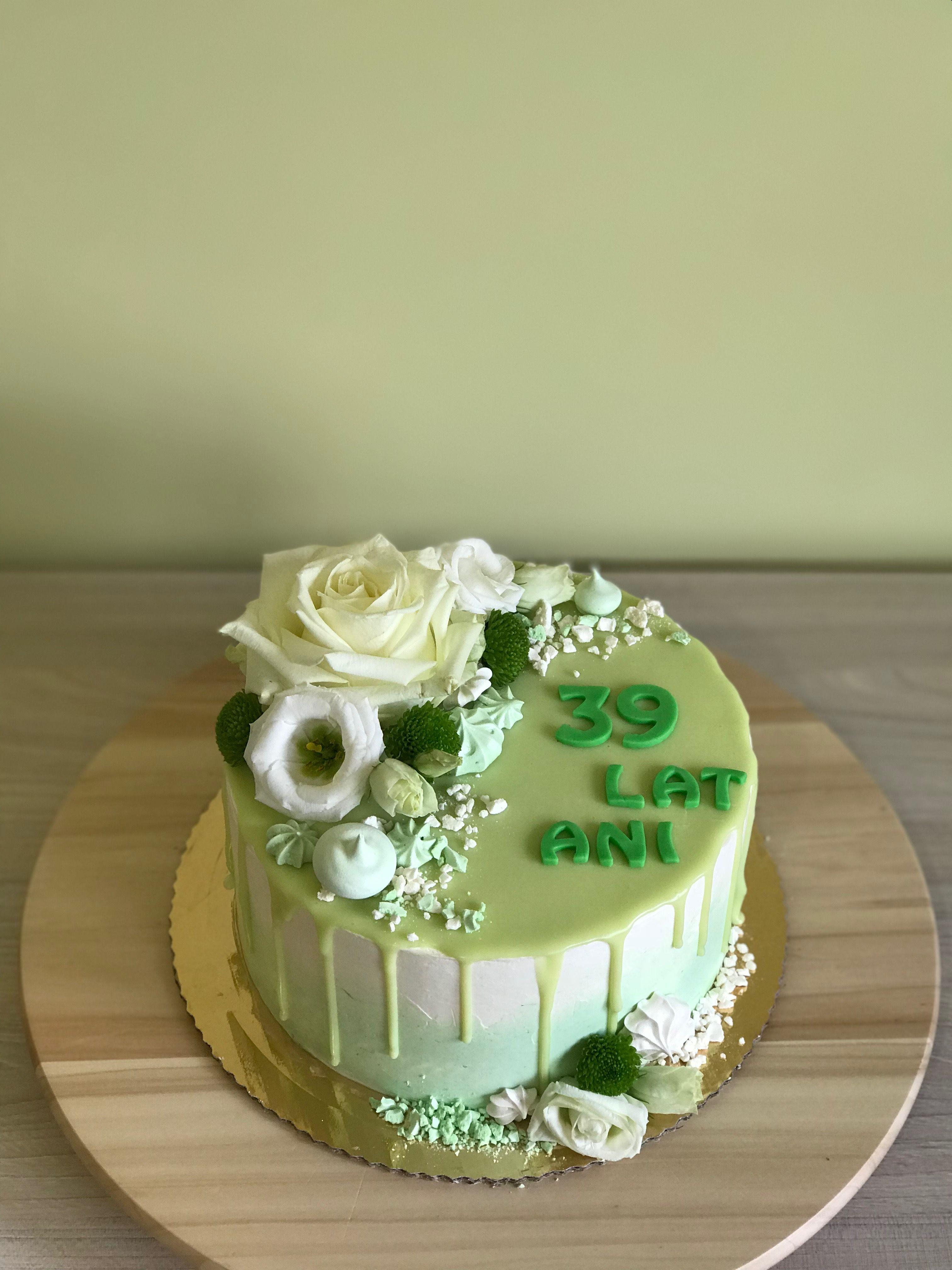 Tort Urodzinowy Zywie Kwiaty Cake Desserts Food