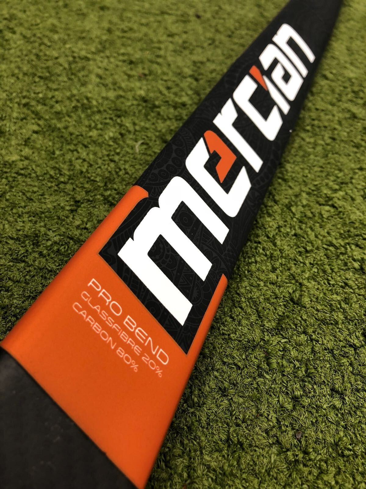 The Mercian Evo 10 Field Hockey Stick Offers A 60 Carbon Stick In Pro Bend At An Exceptional Price The Material Lay U Field Hockey Field Hockey Sticks Hockey