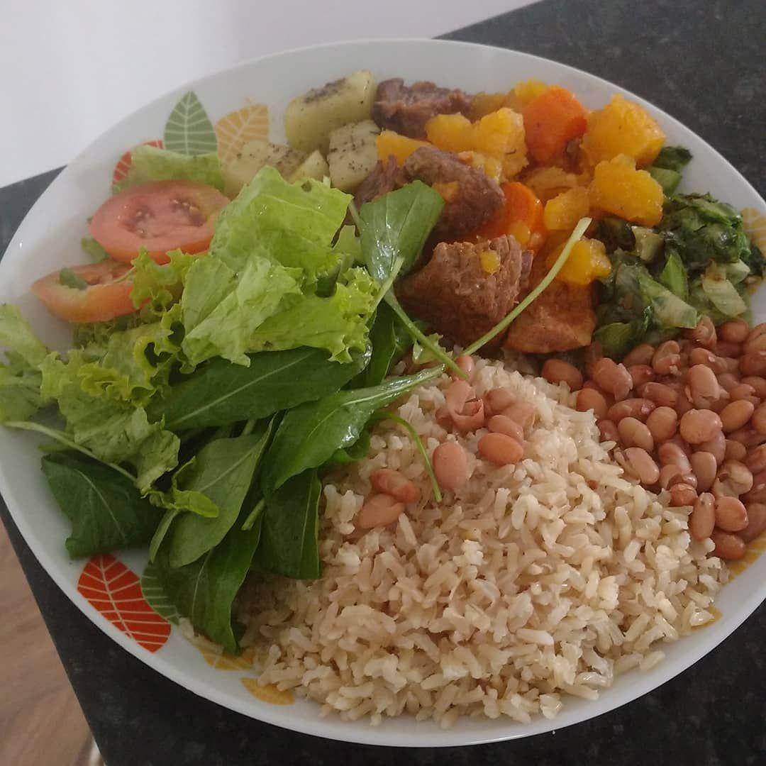 A imagem pode conter: comida | Almoços saudáveis, Idéias de comida ...