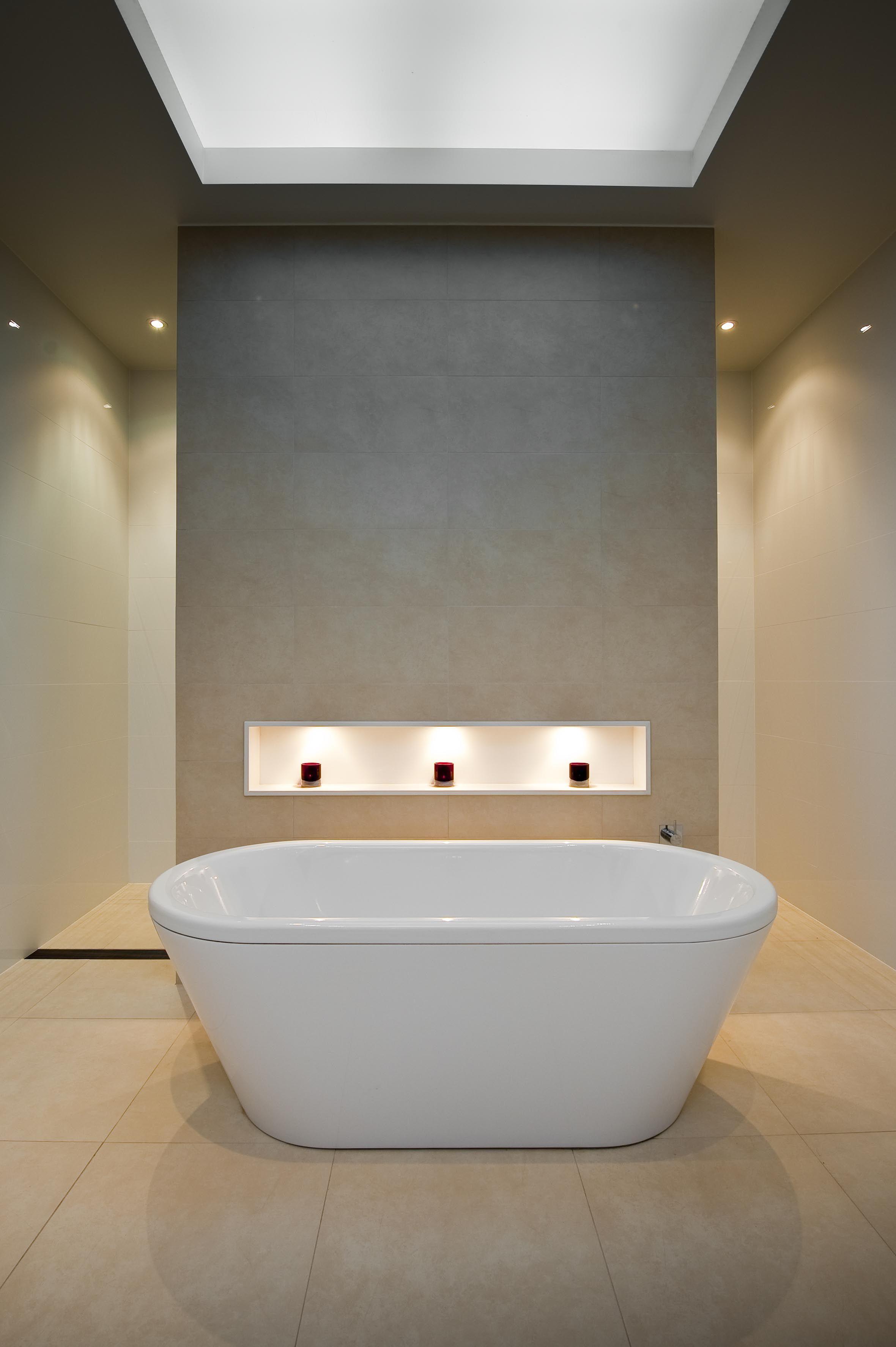 Free standing bath, feature wall, niche | Home | Bathroom ...