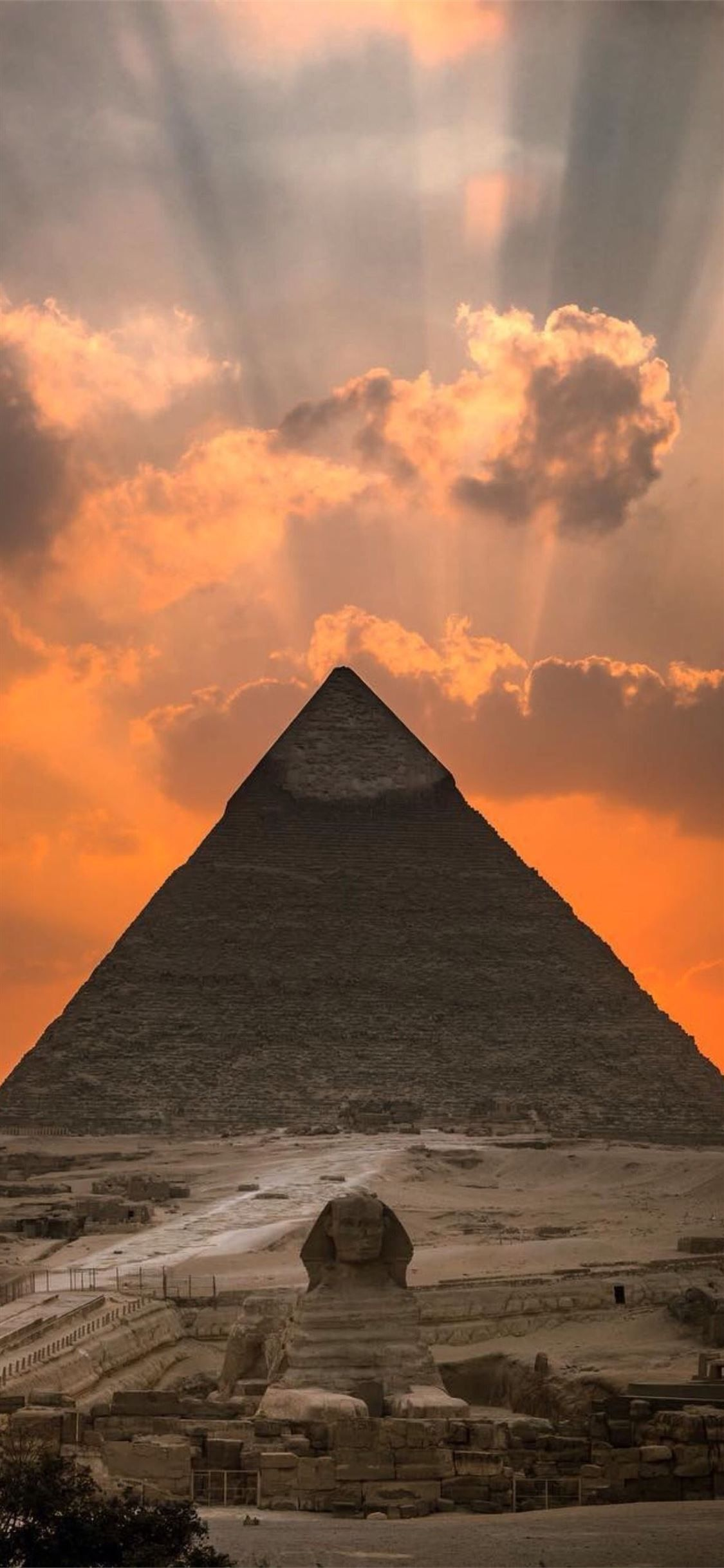Great Pyramid Of Giza Greatpyramidofgiza 100mostbeautifulplacestovisit Egypt Iphone11wallpaper Egypt Wallpaper Pyramids Egypt Egypt Art