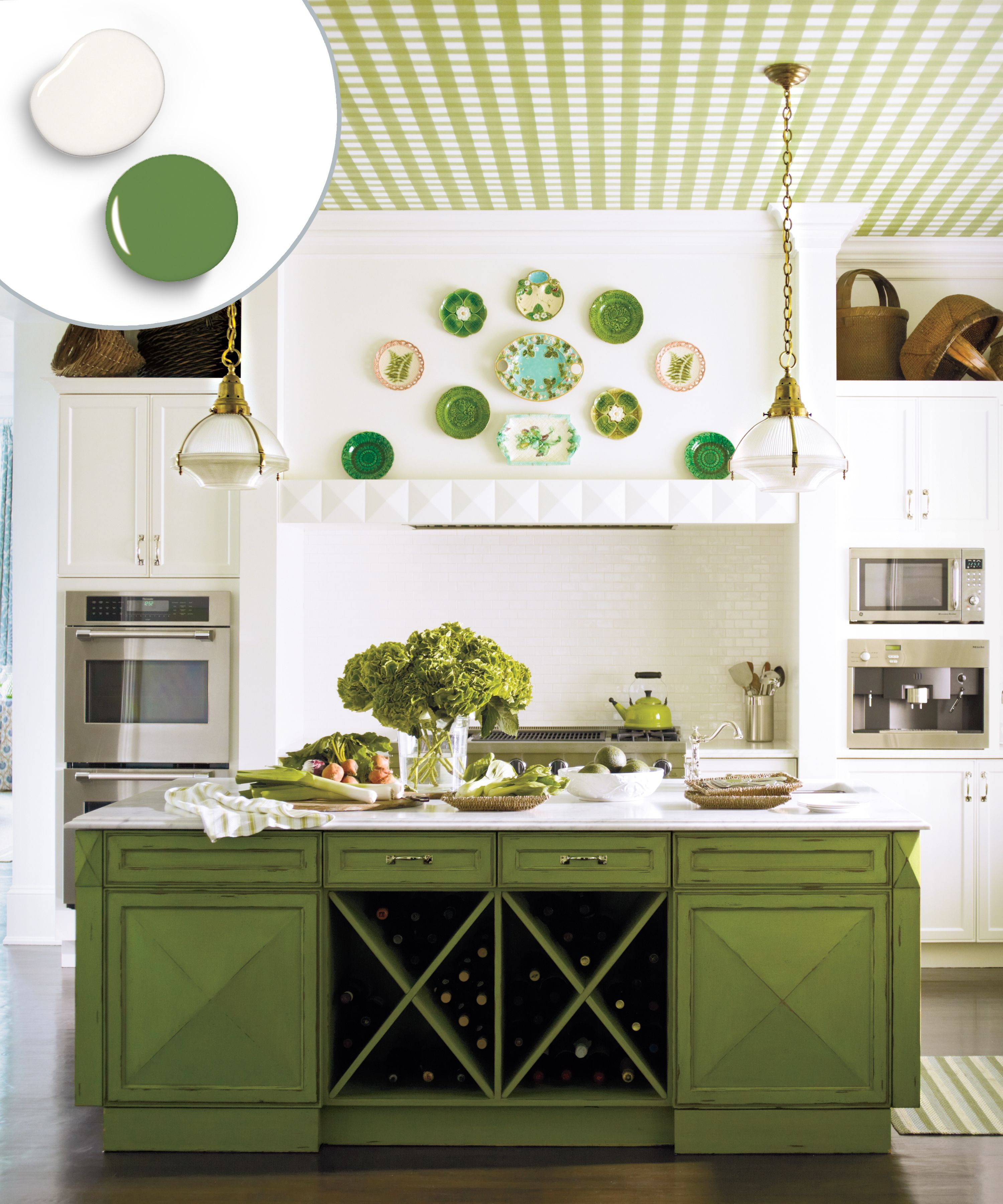 12 Kitchen Cabinet Color Combos That Really Cook Green Kitchen Cabinets Country Kitchen Decor Kitchen Cabinet Colors