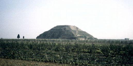 Risultati immagini per pyramid Xiangyang