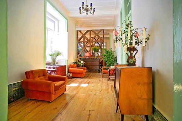 Lisbon Calling Hostel // Rua De São Paulo 126, 3d - 1200-429 Lisboa