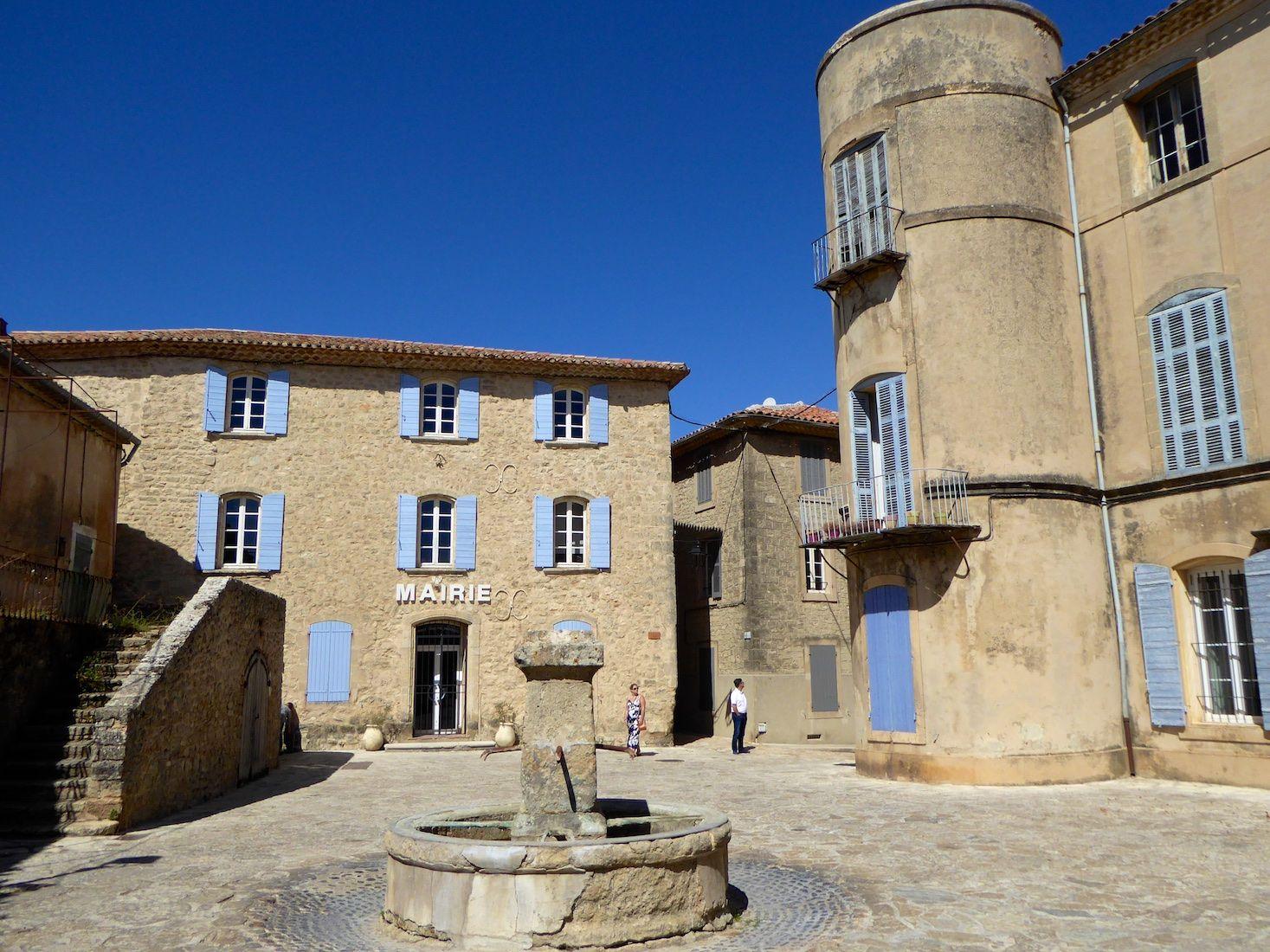 Grambois A Tiny Village In Provence S Luberon Tiny Village