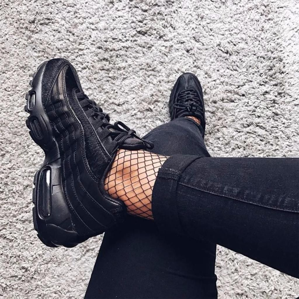 buy popular c8688 a6e57 NIKE AIR MAX 95 Triple Black   100€ Black Shoes Sneakers, Nike Women  Sneakers