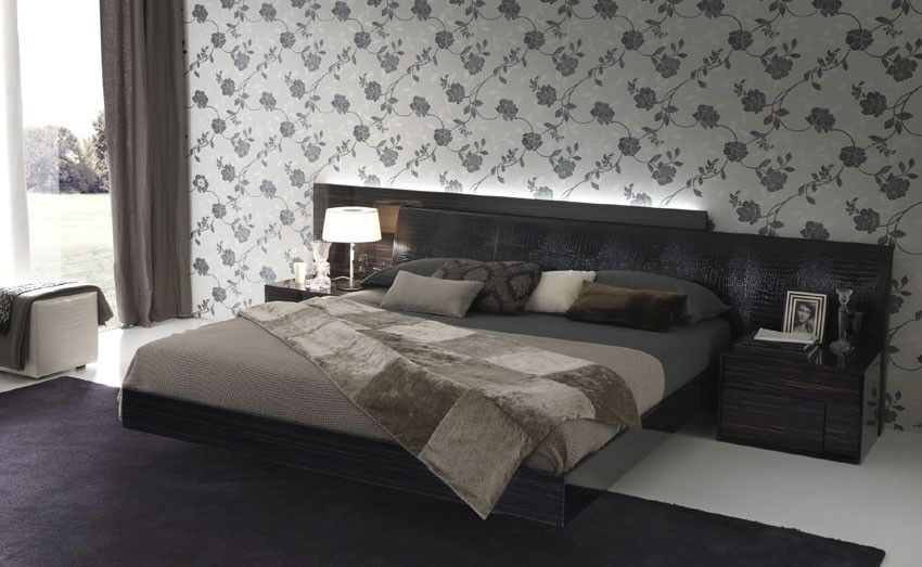 This ultra modern nightfly platform bed by rossetto is - Ultra contemporary bedroom furniture ...