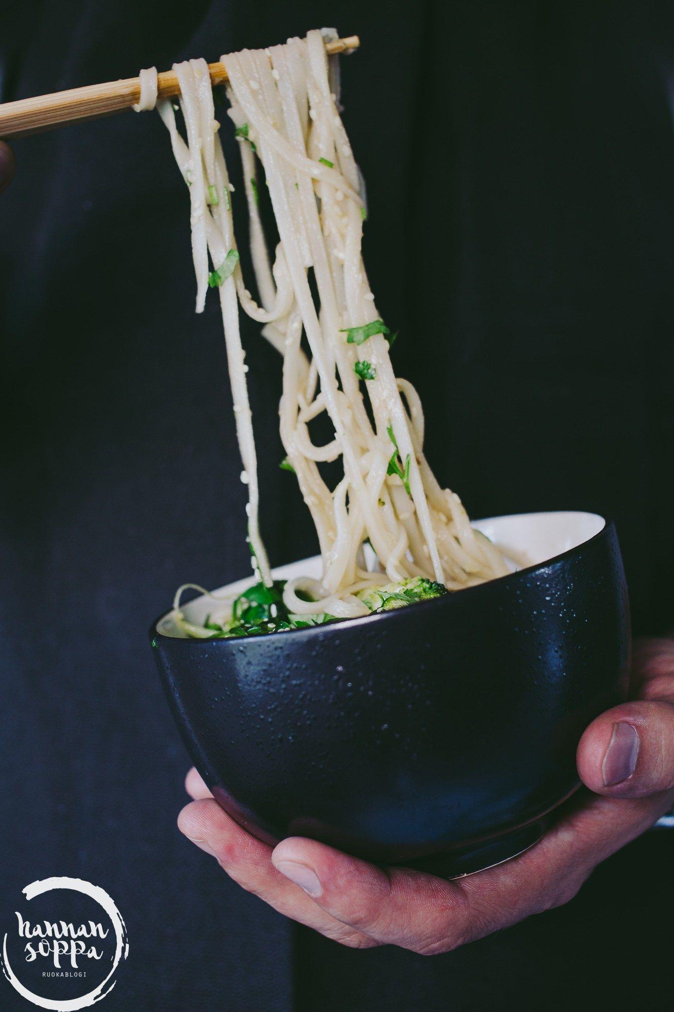 fried green noodles, paistetut vihreät nuudelit (Hannan soppa)
