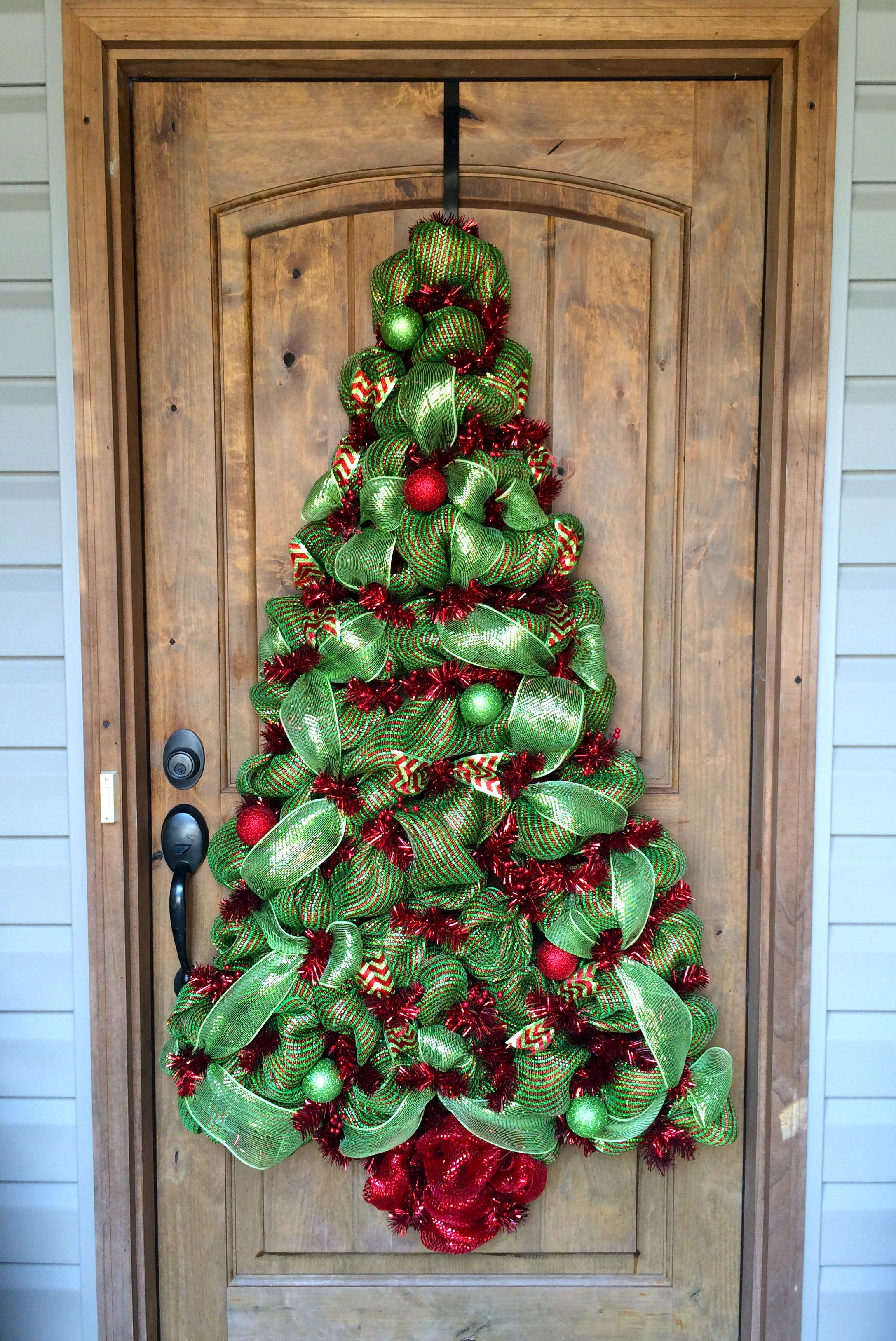 Deco Mesh Christmas Tree Decoration Bayouburlapandbling Deco Mesh Christmas Wreaths Mesh Christmas Tree Christmas Mesh Wreaths