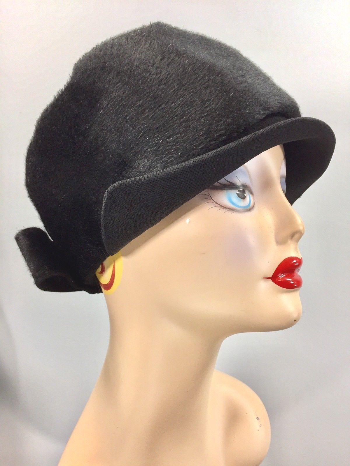 d6c0792a915fb4 Vintage 1920s black art deco cloche hat Helios Italy flapper 20 / 20.5  inches | eBay
