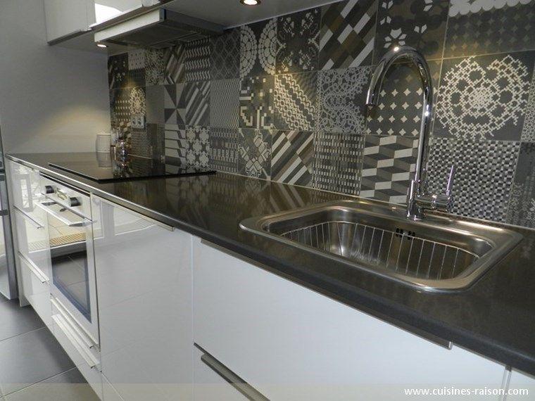 Cuisine design moderne - Aménagement de la pièce en l - Matière - mitigeur cuisine avec douchette extractible