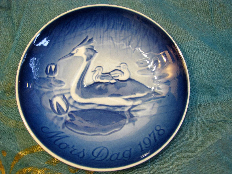 B & G Mother's Day Plate Bing Grondahl Copenhagen – Vintage Danish 1970s Porcelain – 1978 Scandinavian Home Décor – Blue + White Cute von everglaze auf Etsy