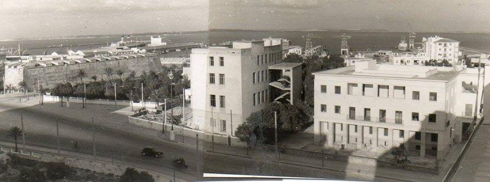 Avenida de Andalucía, al fondo Bahía Blanca. Se puede apreciar el edificio Hacienda y los terrenos del antiguo Gobierno Civil y Radio Juventud.