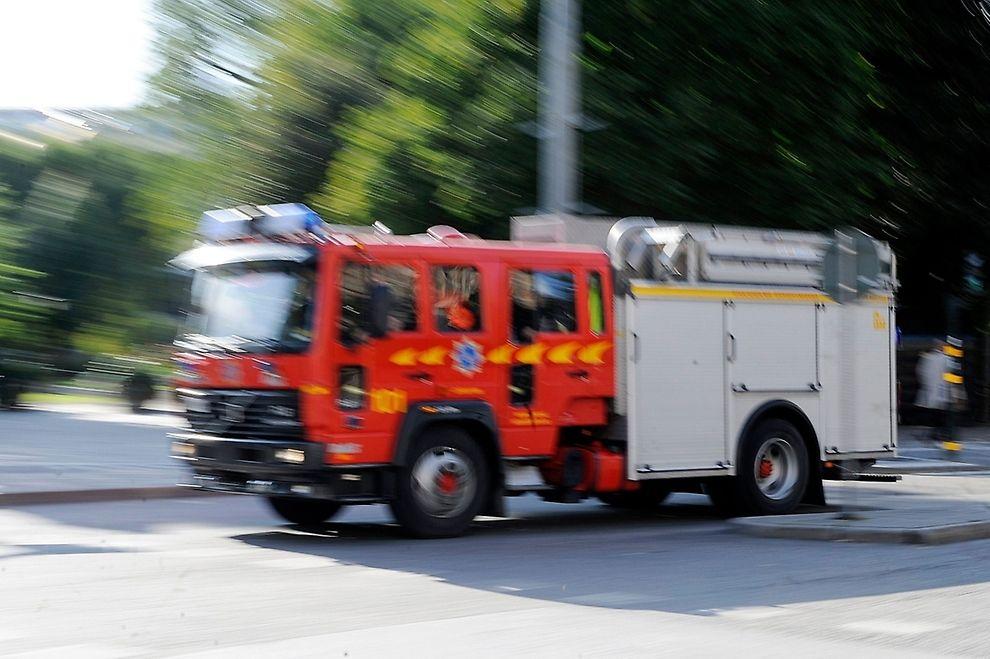 Under tisdagskvällen fick räddningstjänsten rycka ut till ett äldreboende på norra Arnö efter att en boende försökt sig på att laga pannkakor i mikron.