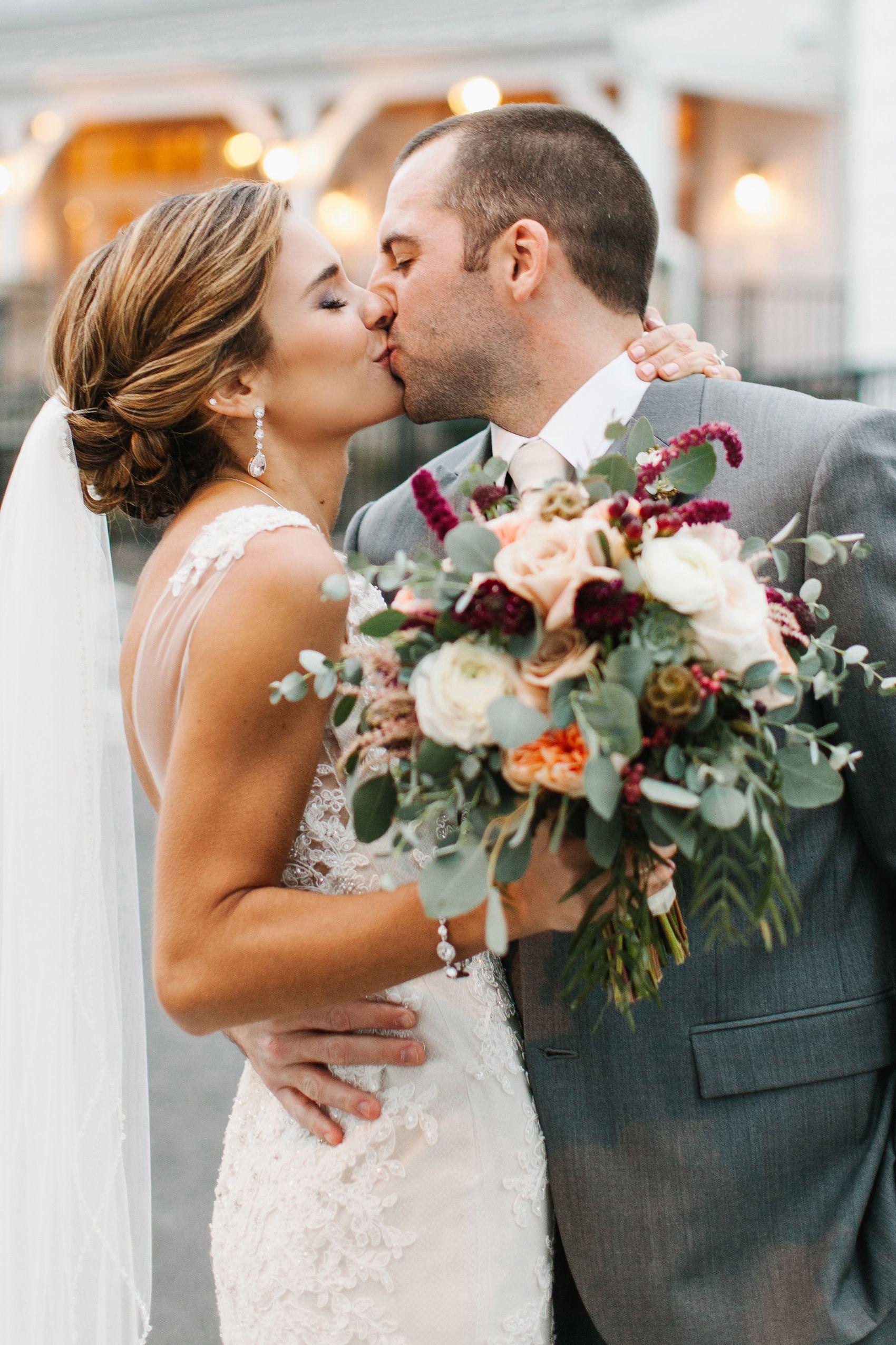 KELLI SHANE THE BARN AT SILVERSTONE LANCASTER PA WEDDING