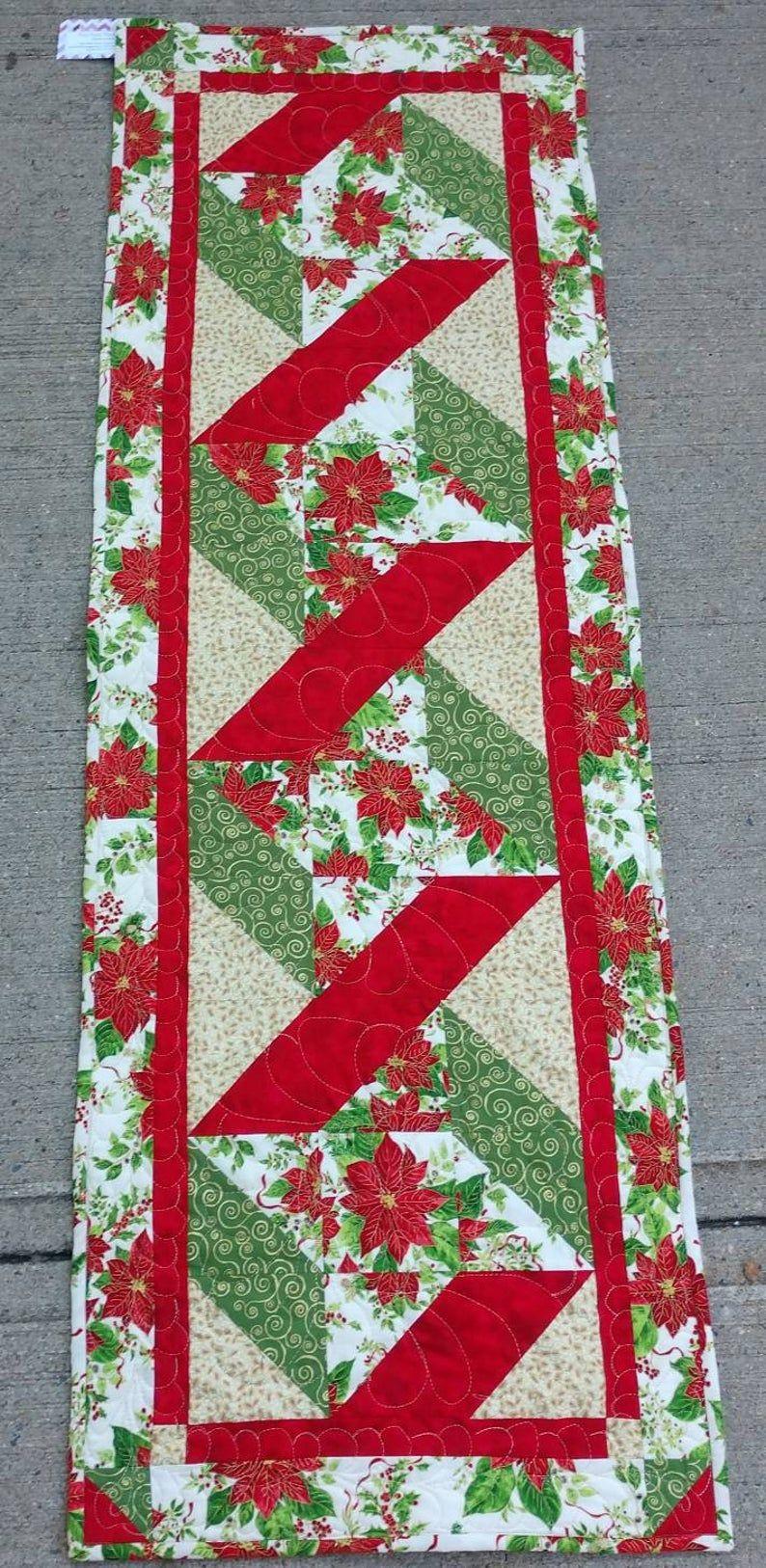 Weihnachten weihnachtsstern rot grün Gold Tischläufer Quiltsy handgefertigt #ferientisch